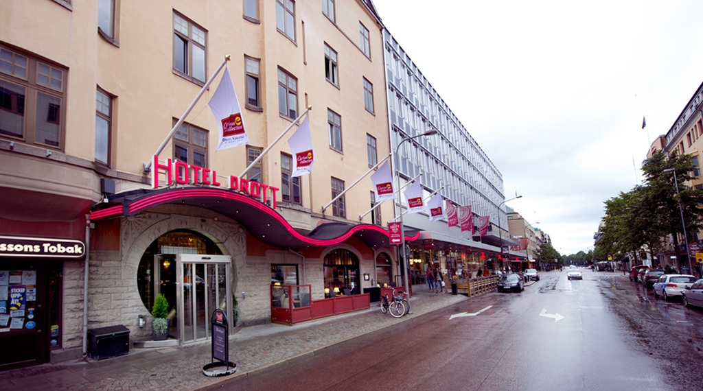 Location and hotel front of the Drott Hotel in Karlstad