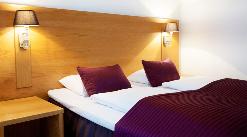 Well-furnished with double bed at Gabelshus Hotel in Oslo