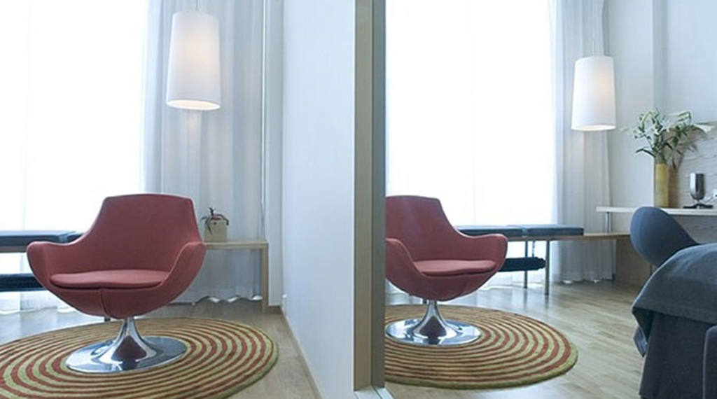 Stylish and bright standard double superior room at Gabelshus Hotel in Oslo