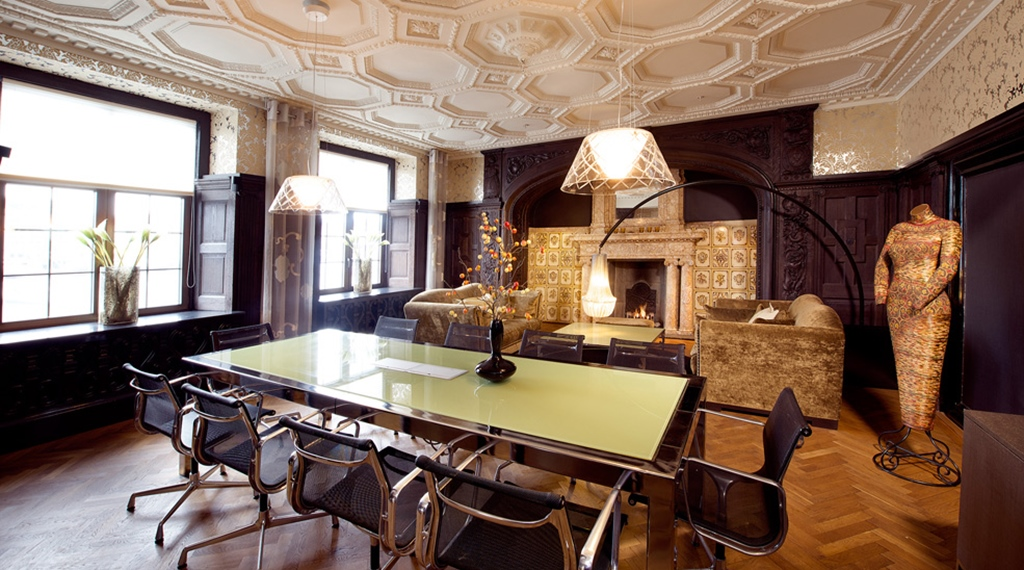 Meeting room in impressive historical surroundings at Havnekontoret Hotel in Bergen