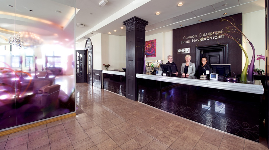 Welcoming and spacious reception at Havnekontoret Hotel in Bergen
