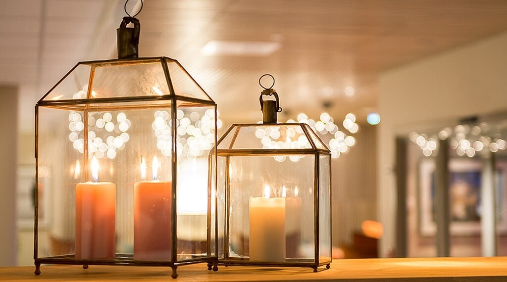 Tranquil interior decoration with candlelights at Helma Hotel in Mo i Rana