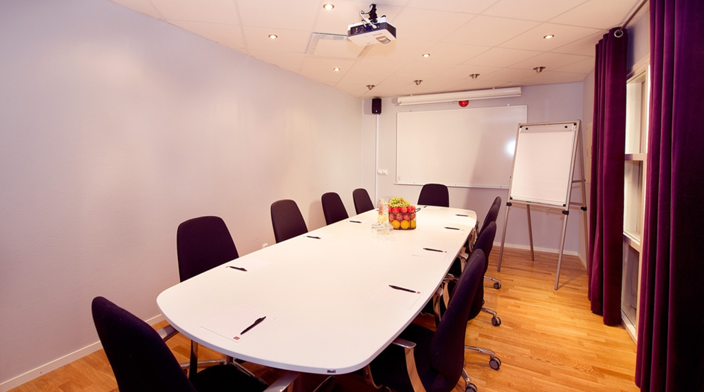 Well-equipped meeting room at Kompaniet Hotel in Nykoping
