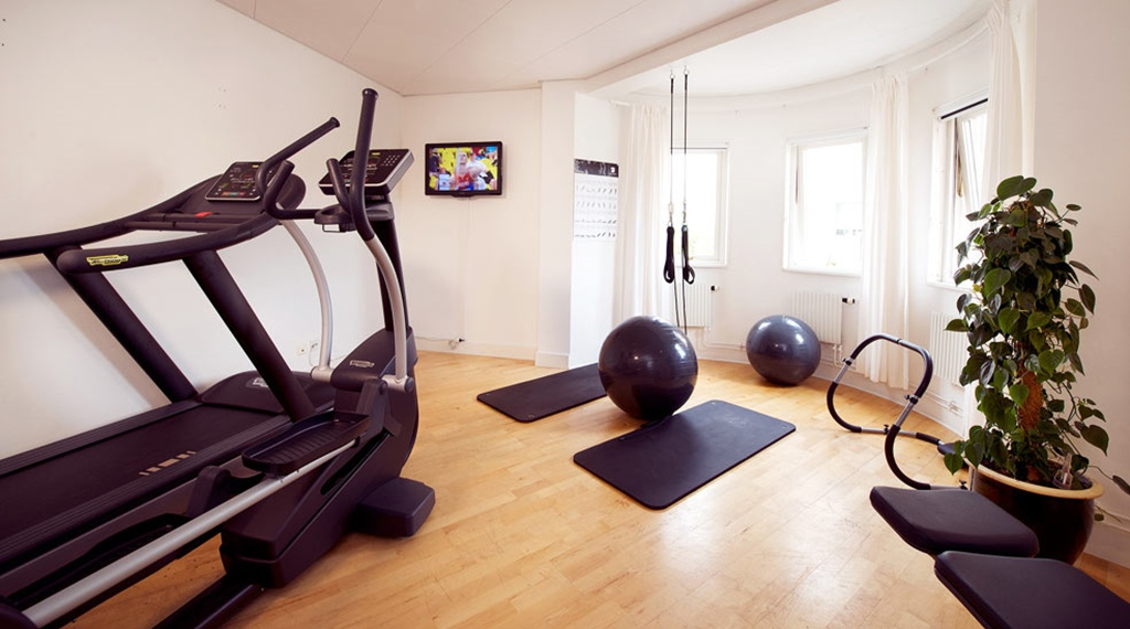Modern gym at Kompaniet Hotel in Nykoping