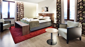 Spacious and bright double room at Kung Oscar Hotel in Trollhatten