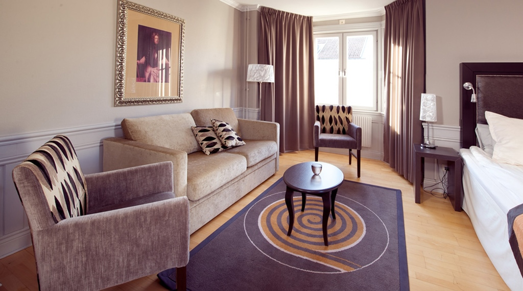 Large and elegant family room at Majoren Hotel in Skovde