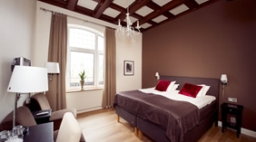 Large and fashionable standard double room at Norre Park Hotel in Halmstad