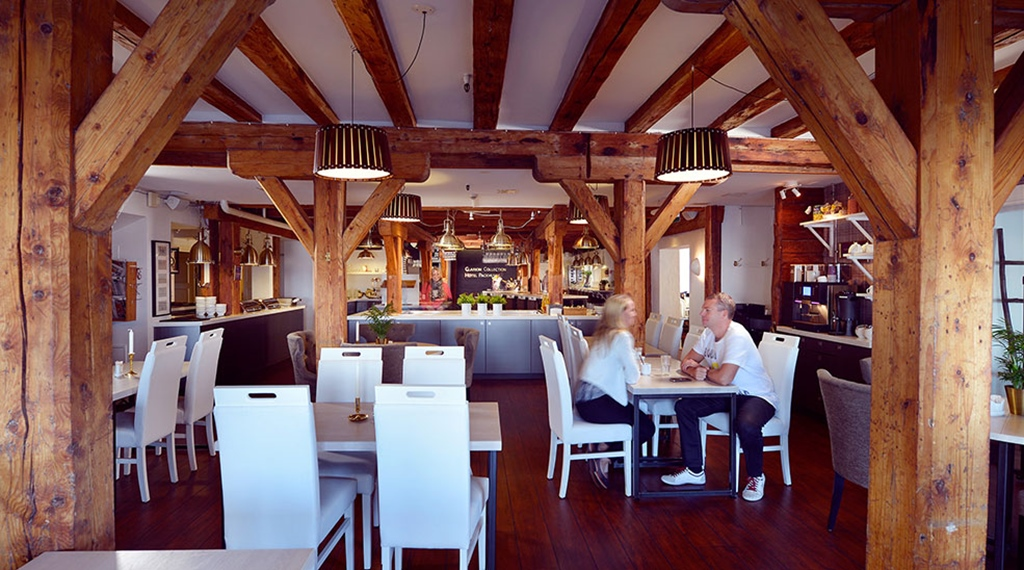 Buffet and dining in rustic surroundings at Packhuset Hotel in Kalmar