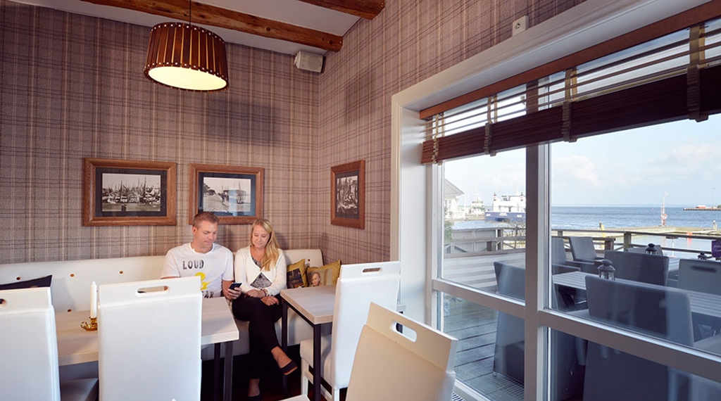 Bright and cosy dining area at Packhuset Hotel in Kalmar