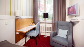Well-equipped and bright single room at Post Hotel in Oskarshamn