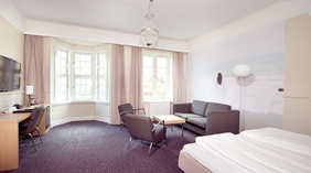 Bright, spacious and well-furnished family room at Savoy Hotel in Oslo