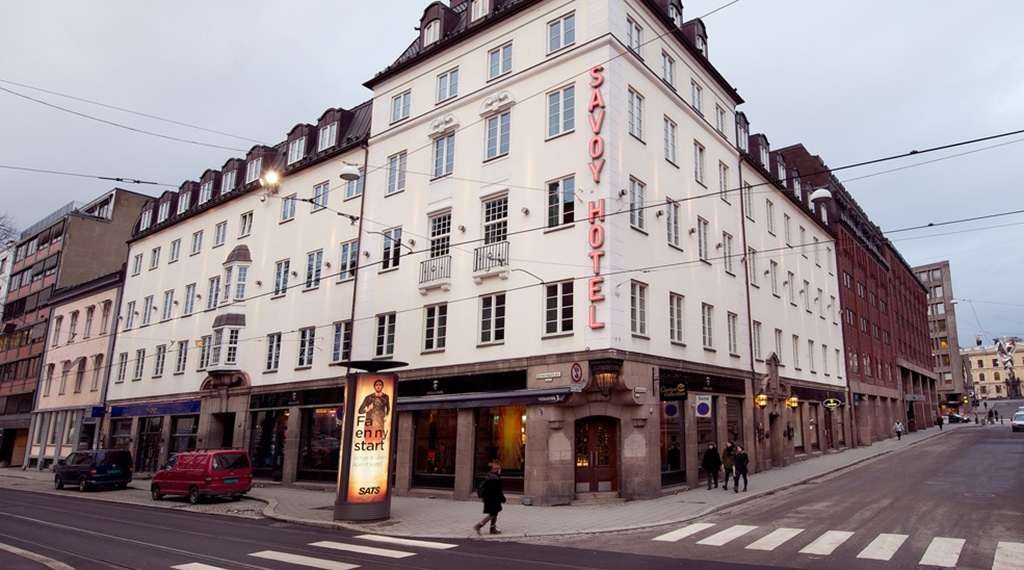 The location and facade of the Savoy Hotel in Oslo