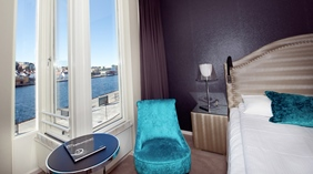 Trendy standard double room with a great view of the canal and ocean at Skagen Brygge in Stavanger
