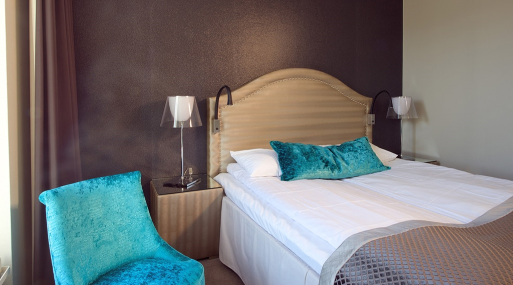 Hip and colourful standard double room at Skagen Brygge in Stavanger