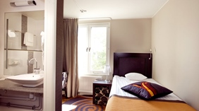 Spacious standard single room with trendy bathroom at Tapto Hotel Stockholm