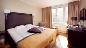 Bright and spacious double room equipped with quality furniture at Tapto Hotel Stockholm