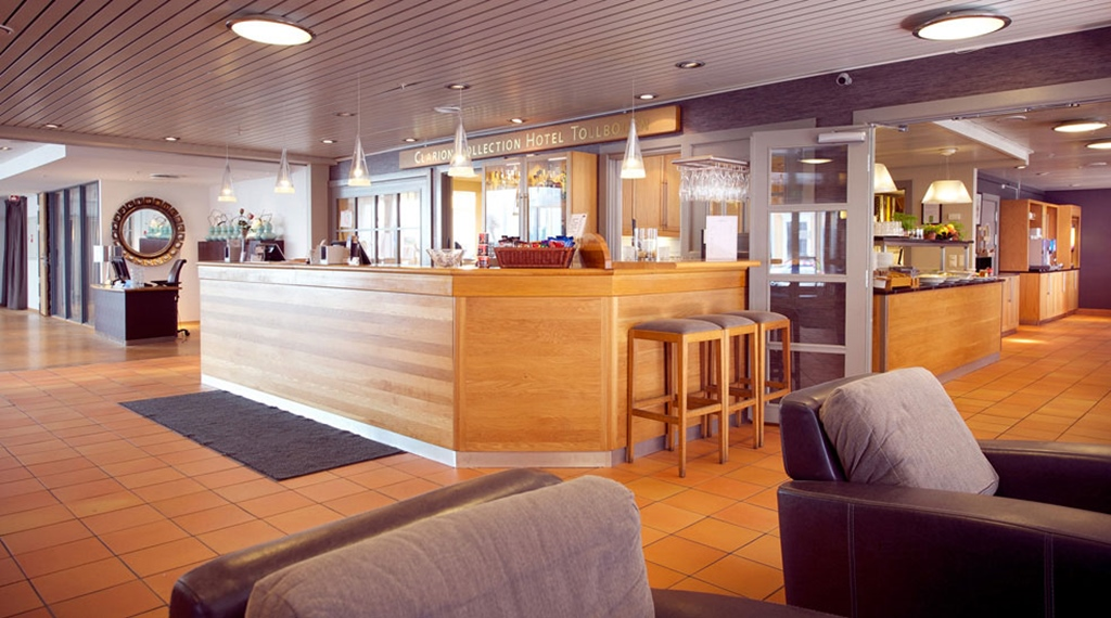 Reception and lobby area at Tollboden Hotel in Drammen