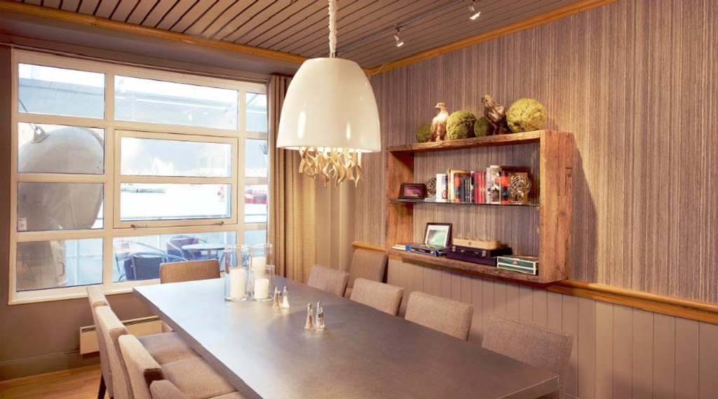 Tranquil lobby area with books and board games at With Hotel in Tromso