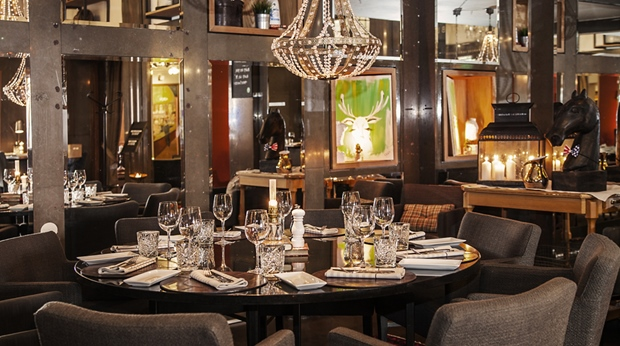 Large, elegant and tranquil restaurant at Grand Hotel Helsingborg