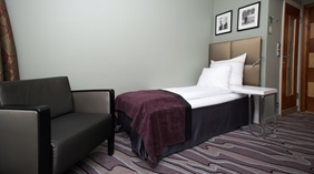 Well-furnished standard single room Admiral Hotel in Bergen