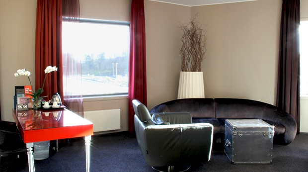 Hip junior hotel suite living room at Bergen Airport Hotel in Bergen