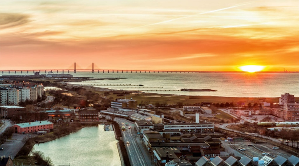 The location and amazing view of the sunset from the Malmo Live Hotel in Malmo