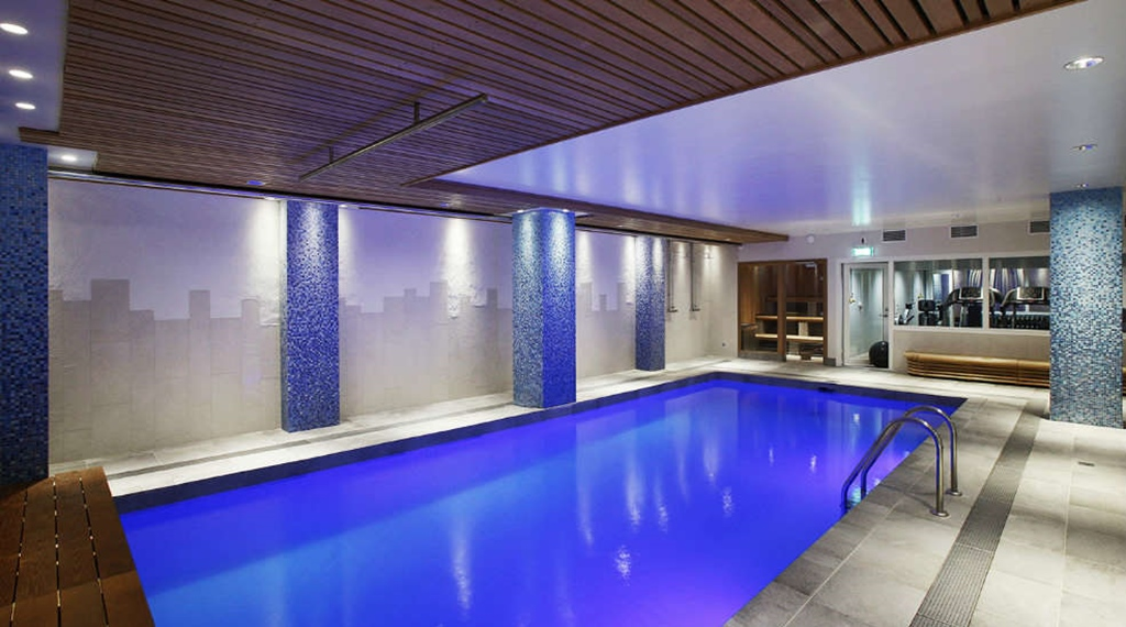 Large indoor pool Winn Hotel in Gavle