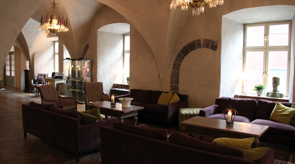 Comfortable and peaceful lobby at Wisby Hotel in Visby