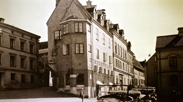 Photo of the historic building now housing the Wisby Hotel in Visby