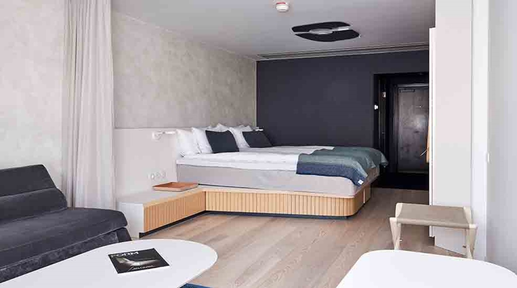 Stockholm city hotel nordic light hotel for Hotel room with sofa bed