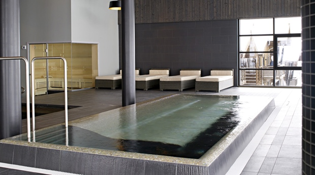 The luxurious indoor jacuzzi at Norrefjell Ski & Spa Hotel in Norrefjell