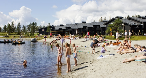A refreshing summer trip to the beach just by the Norrefjell Ski & Spa Hotel in Norrefjell