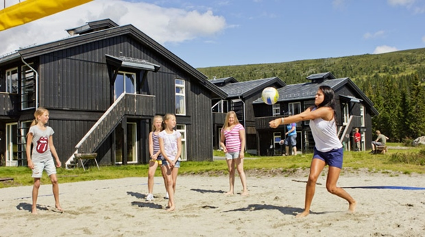 A game of volleyball during the summer at Norrefjell Ski & Spa Hotel in Norrefjell