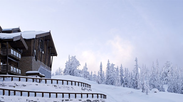 The snow-covered surroundings during the winter at Norrefjell Ski & Spa Hotel in Norrefjell