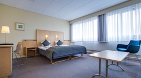 Bright and well-designed superior hotel room at Quality Airport Dan Hotel in Copenhagen