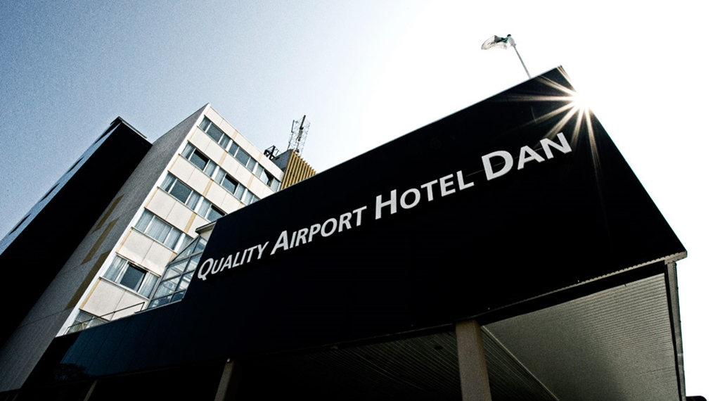 The entrance of the Quality Airport Dan Hotel in Copenhagen
