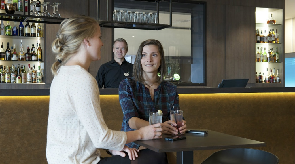 Hotel sola quality airport hotel stavanger for Food bar stavanger