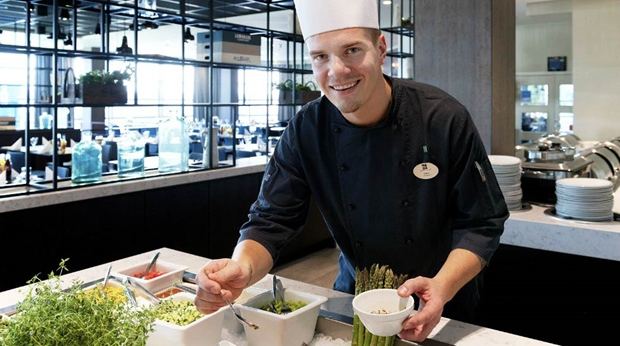 Chef preparing the lunch buffet at Quality Airport Hotel Stavanger
