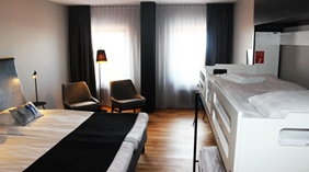 Extensive and well-equipped family hotel room at Quality Hotel 11 in Gothenburg