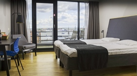 Standard room with two single beds and a great view of the city at Quality Hotel 11 in Gothenburg