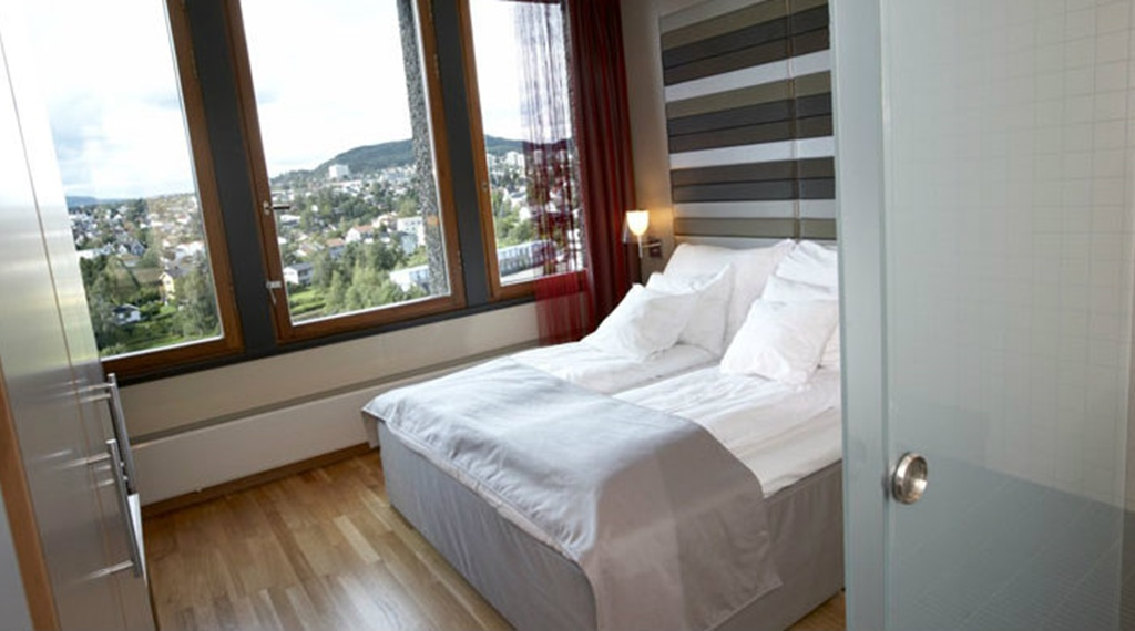 Double hotel room with an amazing view of the city at Quality Hotel 33 in Oslo