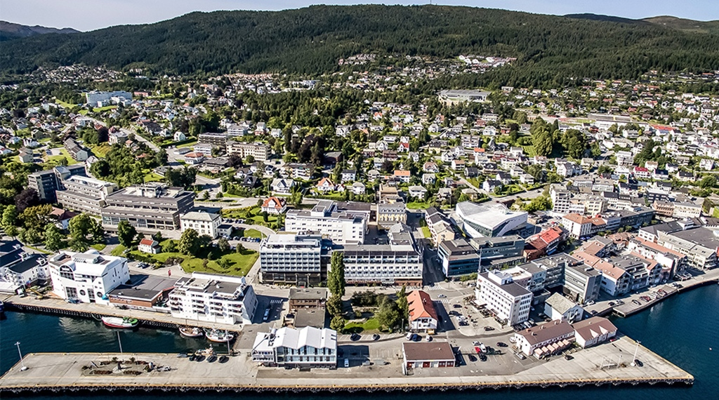 Panoramic view of Molde city centre, Quality Hotel Alexandra