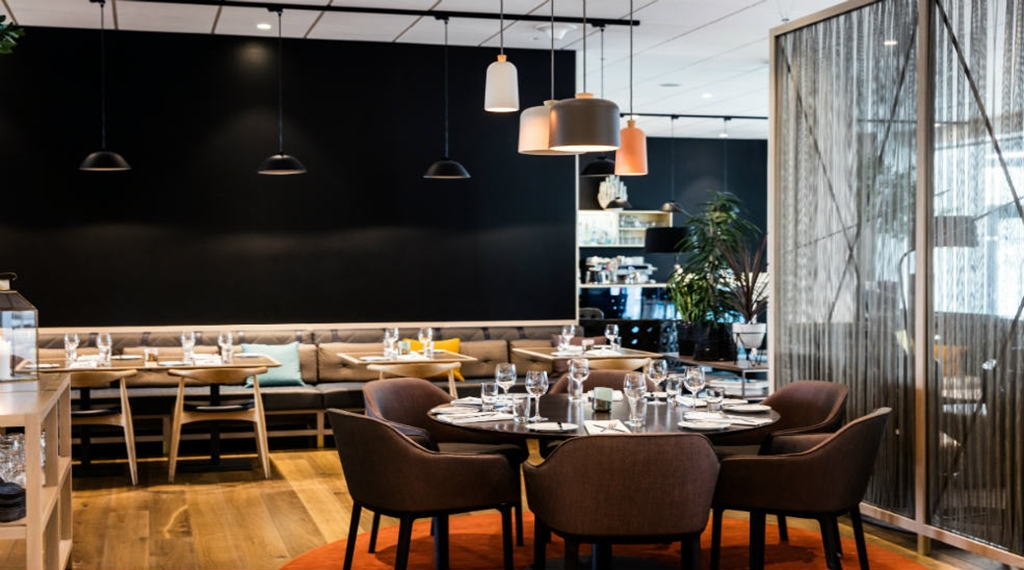 Restaurant Barsserie X, set round table and lamps at Quality Hotel Edvard Grieg Bergen