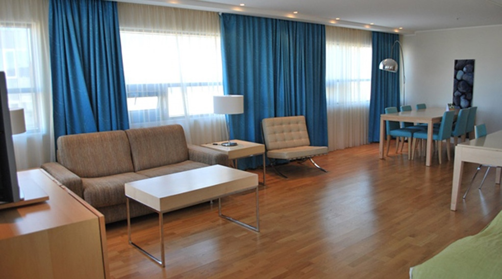 Bright and spacious junior suite with designer furniture at Quality Hotel Frederikstad