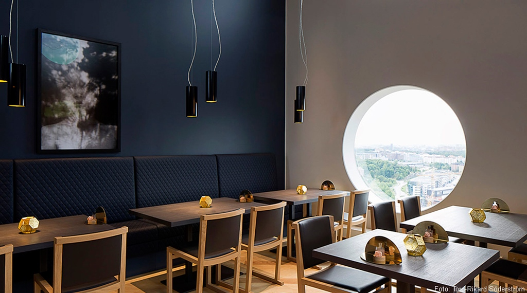 The minimalistically designed hotel restaurant at Quality Hotel Friends in Solna