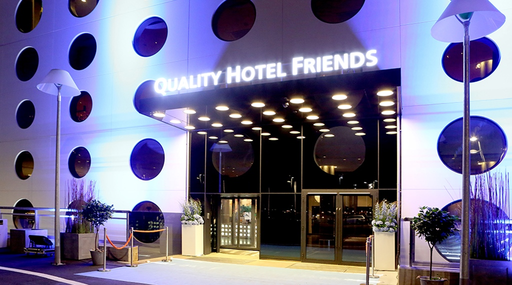 The impressive entrance at Quality Hotel Friends in Solna