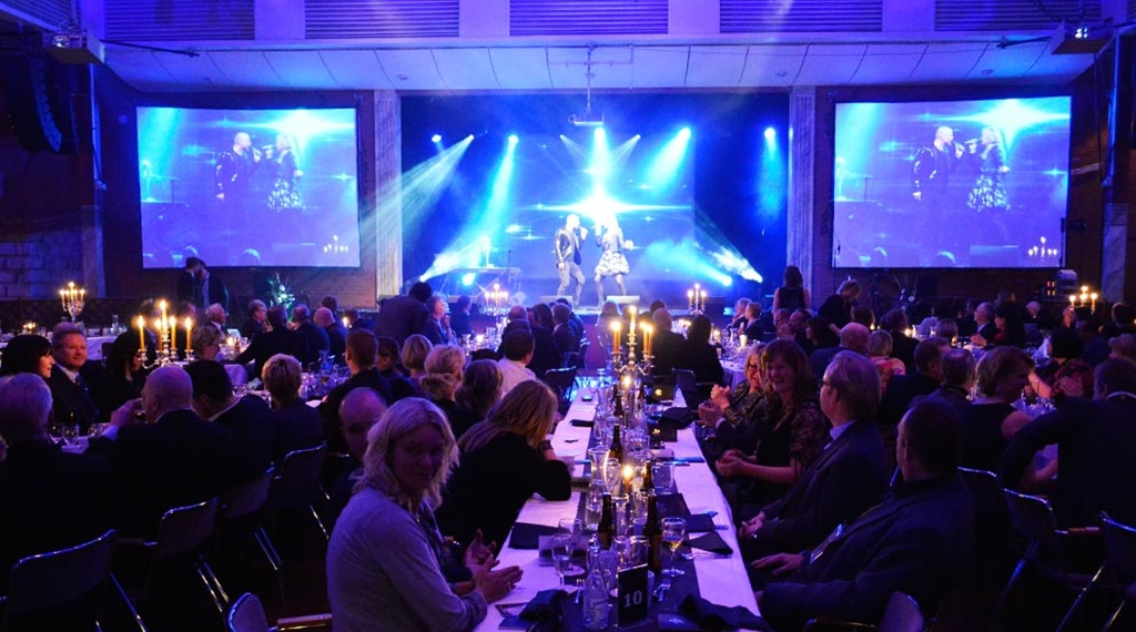 Dinner and show at event hall Stora Björn at Quality Hotel Galaxen in Borlänge