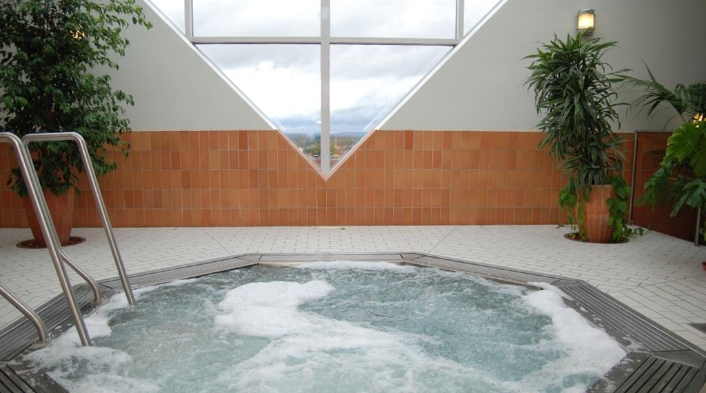 Jacuzzi with a view in the relaxation Area Polaris at Quality Hotel Galaxen in Borlänge