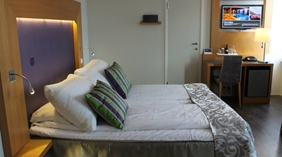 Standard hotel room with two single beds at Quality Grand Hotel Kongsberg