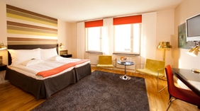 Large and well-furnished superior double room at Quality Grand Hotel Kristianstad